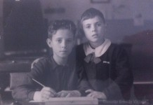 """""""Mio papà Enrico con mio zio Gianni alla Scuola del Q.re Mario Bettinzoli negli anni '50"""""""