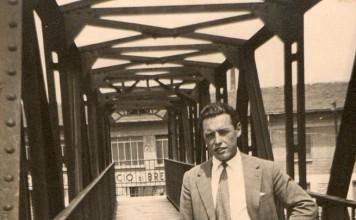 mio suocero sul ponticello che attraversa la ferrovia ifra via C. Brozzoni e via Togni ( zona freccia rossa) 1954