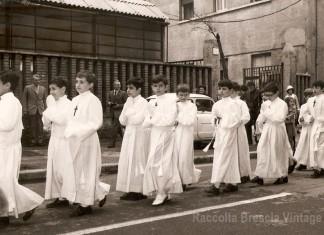 Corteo di comunicandi in Via Cremona, 1969