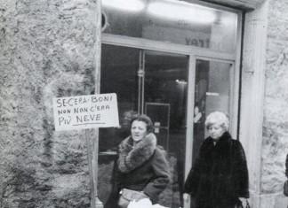La nevicata del 1985: ironico cartello di protesta
