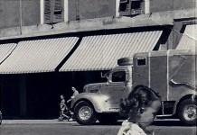 """""""Mi trovavo in: Piazza Loggia nel1952"""" Notare il camion della Nettezza Urbana di allora."""
