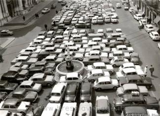 Piazza Duomo - Auto in sosta