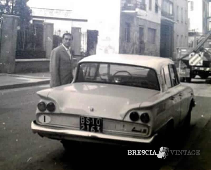 pap con la sua favolosa ford consul 315 via martinengo cesaresco. Black Bedroom Furniture Sets. Home Design Ideas