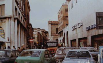 """""""Traffico caotico tra via Verdi angolo via IV Novembre"""" - 1986"""