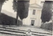 """""""Io, nel 1957, sulla scalinata della chiesa di S. Bernardo a Costalunga"""""""