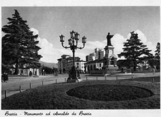 Monumento ad Arnaldo da Brescia