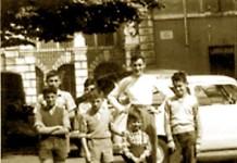 """""""I miei amici"""", piazzetta Vescovado 1955. (Immagine inviata da Maria Francesca Aramini)"""