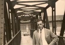 """""""Mio suocero sul ponticello che attraversa la ferrovia fra via C. Brozzoni e via Togni"""", zona freccia rossa, 1954. (Fotografia inviata da Isidax Davide)"""