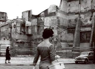 Bella signora in Corsetto Sant' Agata, anni 50