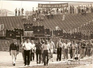 """""""Gruppo AVIS allo stadio di Mompiano"""", primi anni 80."""