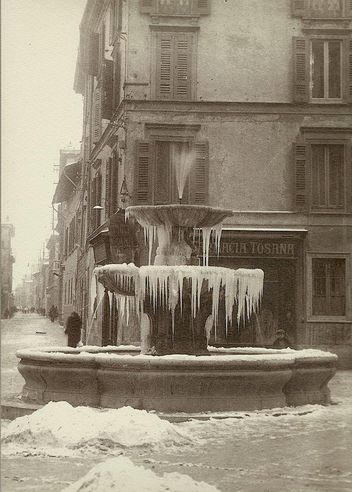 Piazza Sant'Alessandro sotto la neve 1929