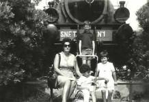 La locomotiva che sostituisce la piscina in Castello