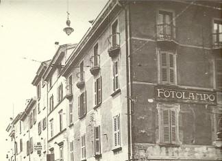 Via Dieci Giornate con i portici del Granarolo - Brescia 1929