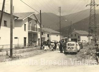 Auto in sosta al Villaggio Prealpino - Via Tovini anno 1961