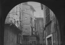 Cortile interno di via S.Chiara - Brescia 1978
