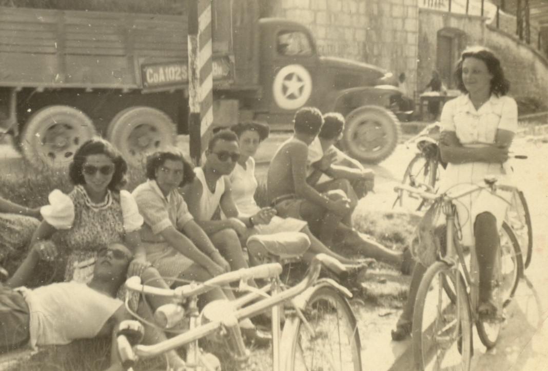 Salita nord del Castello - 1945
