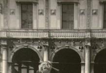 """""""Mamma Olga con Beatrice"""" - Brescia Piazza Loggia 1959"""