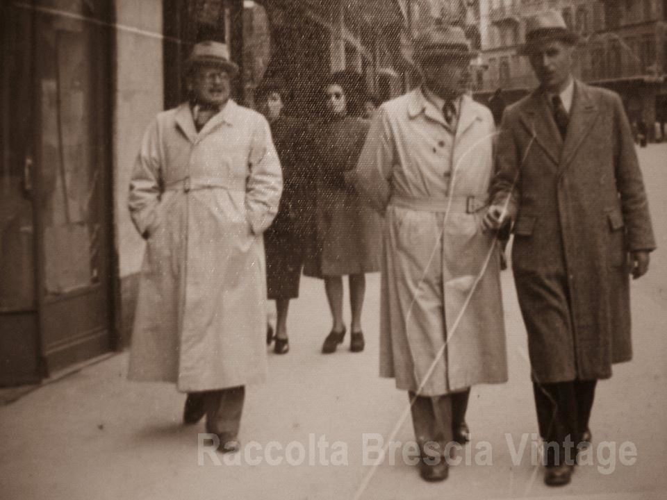 Mio padre col fratello in Corso Zanardelli - Anni 50