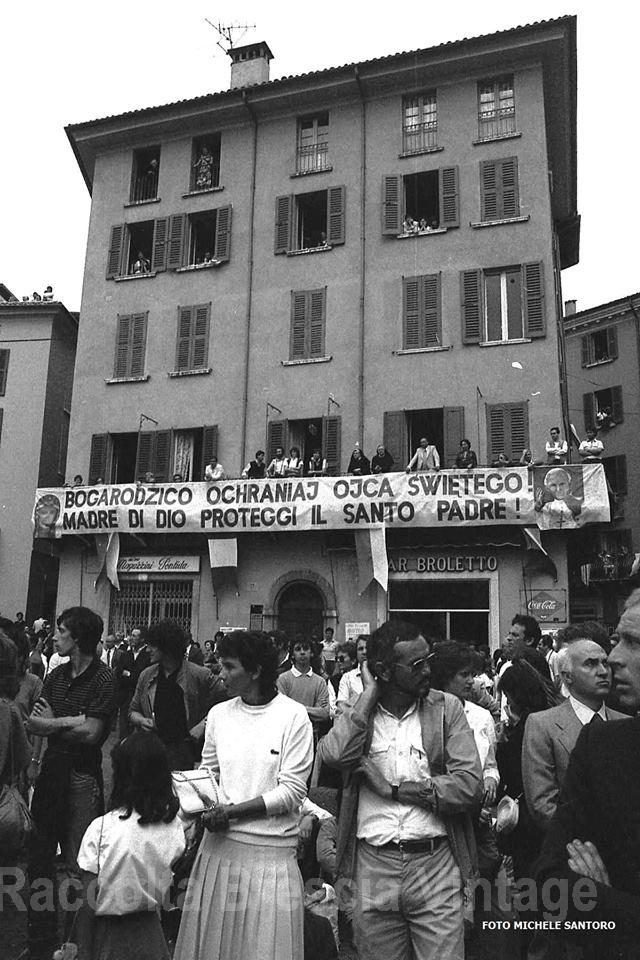 Papa Giovanni Paolo II a Brescia - Piazza Duomo 1982