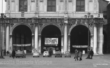 In difesa del posto di lavoro. Brescia - Piazza Loggia.Inizi anni '80
