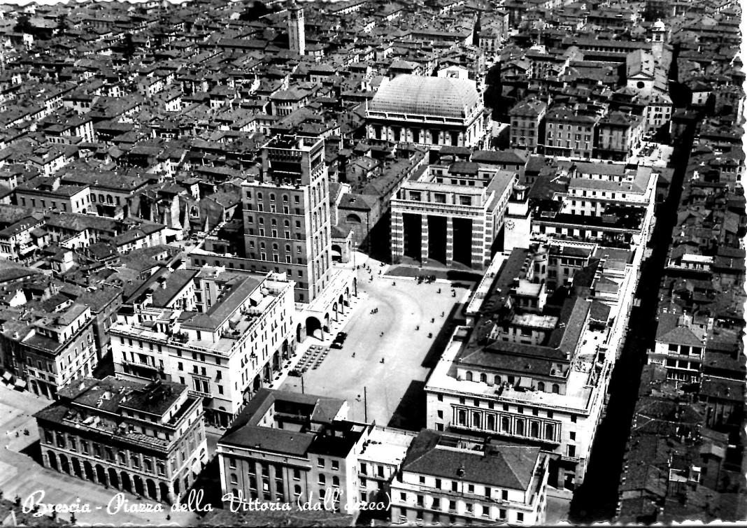 Piazza della Vittoria (dall'aereo)