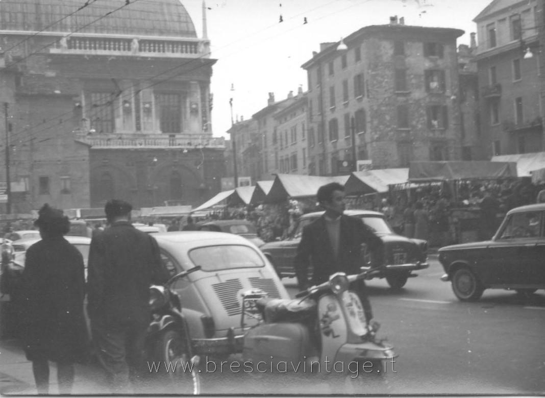 piazza del mercato brescia 1960