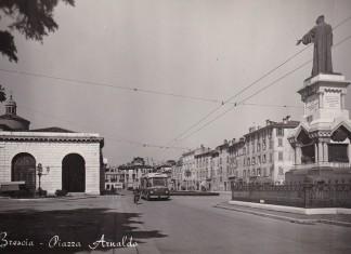 Filobus in Piazza Arnaldo Brescia
