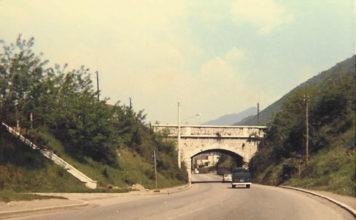L'antico ponte in pietra sulla Triumplina in Valpiana di Costorio (1970)