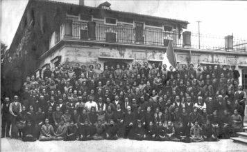 Le lavoratrici della storica ditta Rossi di Concesio - teleria di Juta - ottobre 1925