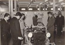 Visita ai laboratori della Moretto circa 1965 - Archivio fotografico Progetto Atlantide_bsv