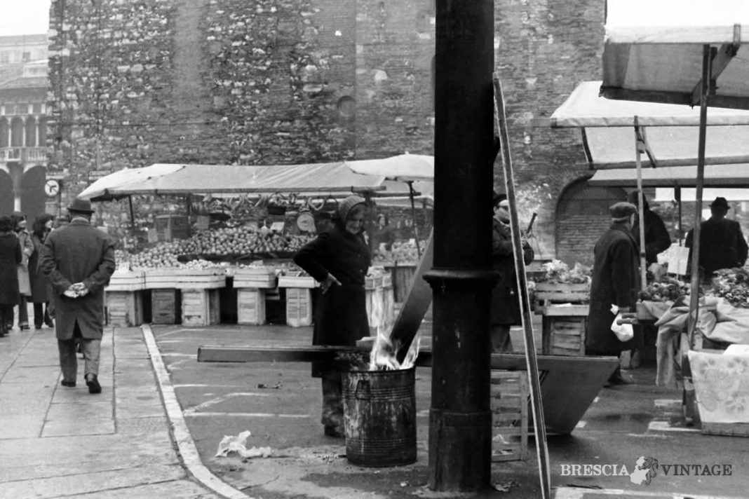 Il mercato di Piazza Rovetta/LargoFormentone - 1974